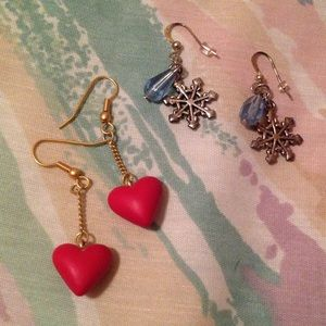 ❄️ ♥️ 2 pairs of earrings, hearts and snowflakes